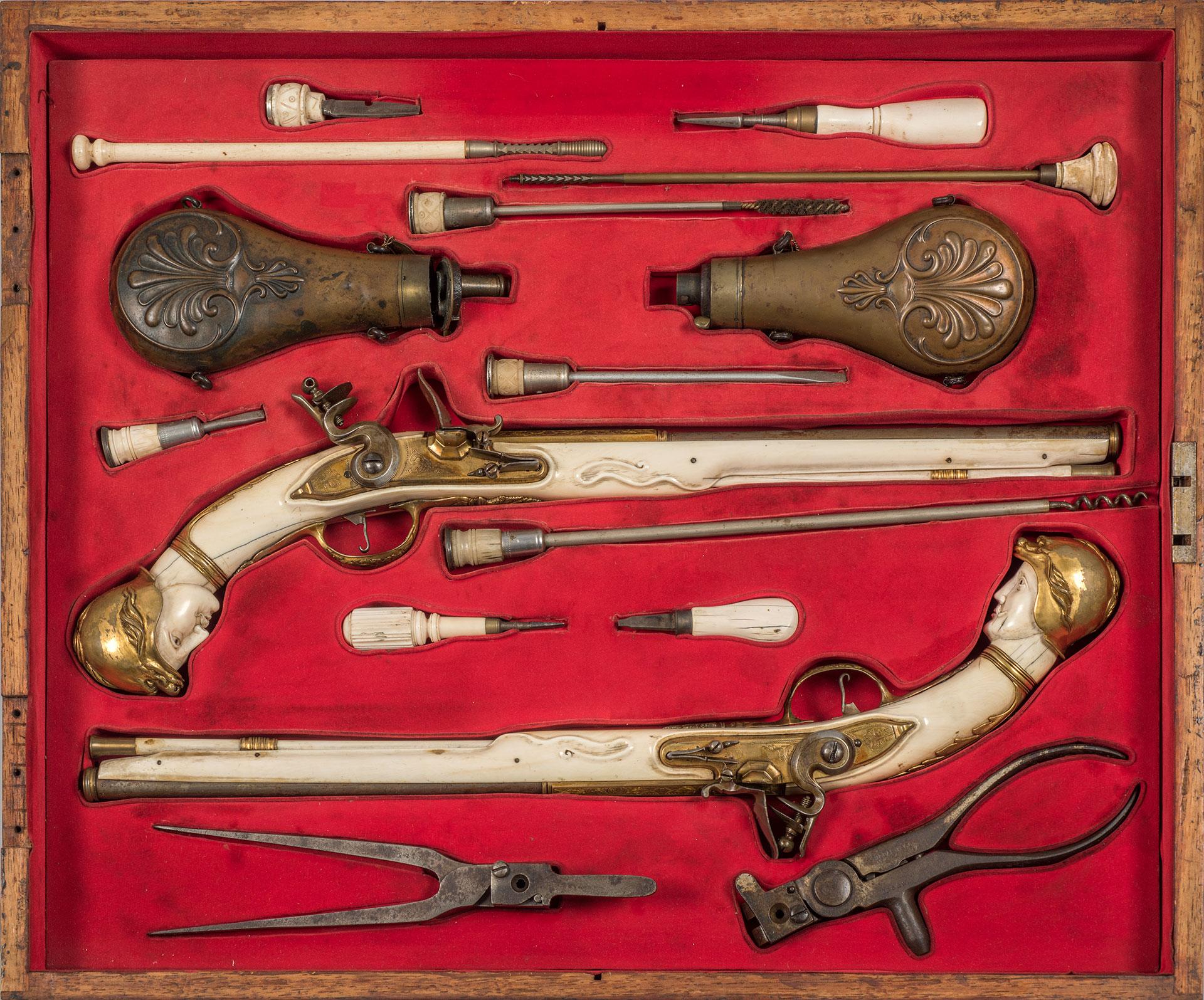 Pistolas de chispa abancarga para arzón del S XVIII