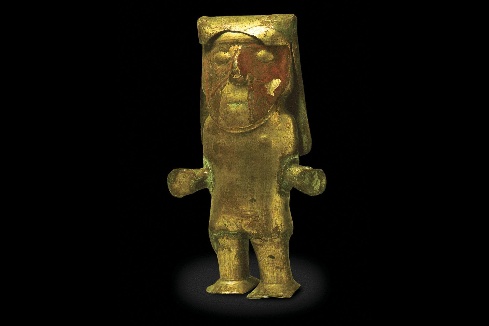 Figura antropomorfa de cobre dorado. Cultura Wari.